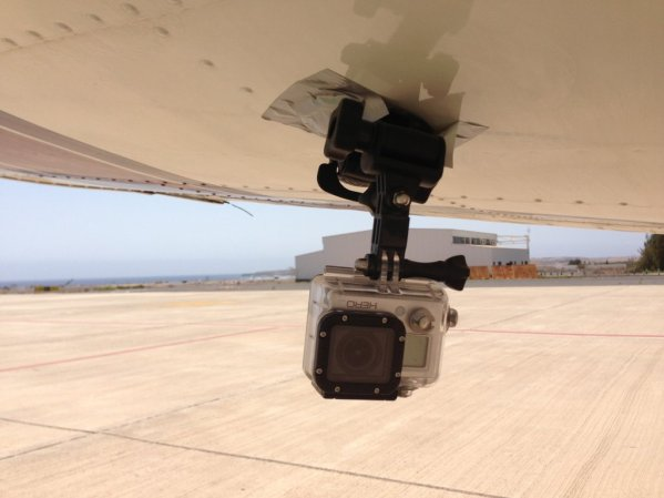 Gopro Hero placed on the wing