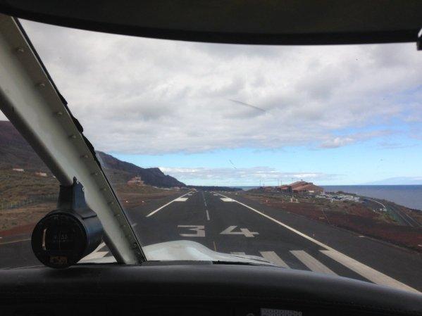 Landing at El Hierro (GCHI)