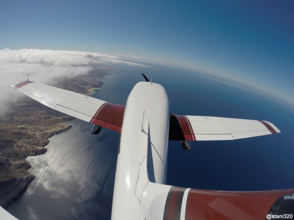 Flying along the Gran Canaria's coast