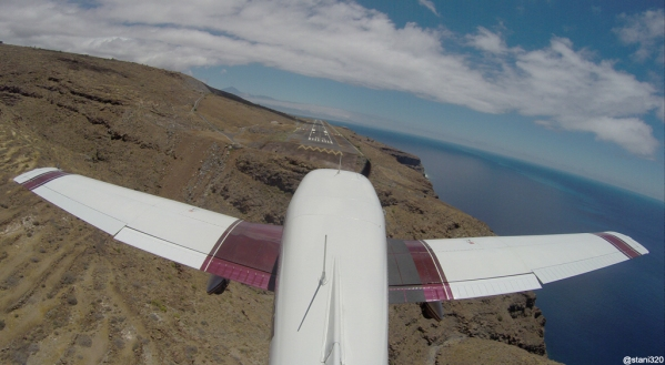 Landing at La Gomera (GCGM/GMZ)