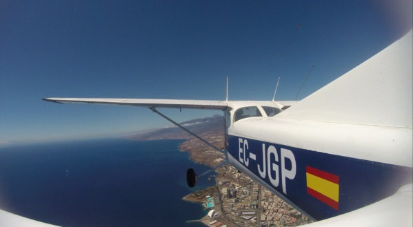 Over Santa Cruz de Tenerife
