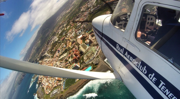Over Puerto de la Cruz