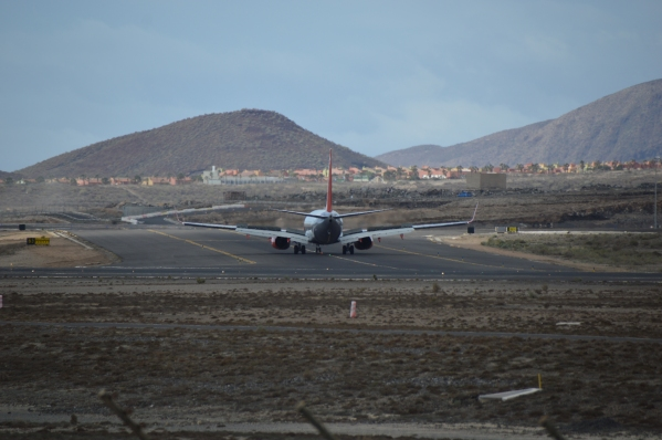 Some Boeing 737 leaving the RWY after the landing